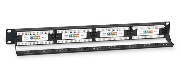 Патч-панель 19 (1U), 24 портов RJ-45, категория 5e, Dual IDC, с задним кабельным организатором.<br />Вид в сборе.