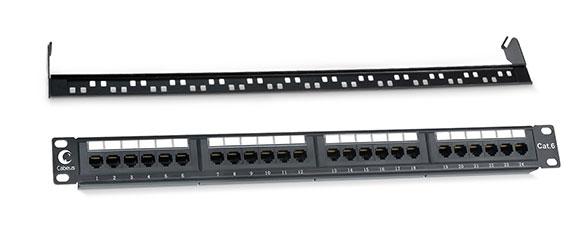 Патч-панель 19 (1U), 24 портов RJ-45, категория 6, Dual IDC, с задним кабельным организатором.<br />Вид спереди.