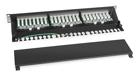 Патч-панель 19 (1U), 24 портов RJ-45, категория 6, Dual IDC, с задним кабельным организатором.<br />Вид в разборе.