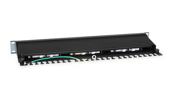 Патч-панель 19 (1U), 24 портов RJ-45, категория 6а, Dual IDC, с задним кабельным организатором.<br />Вид сзади.