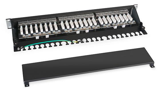 Патч-панель 19 (1U), 24 портов RJ-45, категория 6а, Dual IDC, с задним кабельным организатором.<br />Вид в разборе.