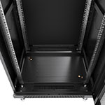 Mонтажный шкаф Cabeus<br>В днище расположены 2 щеточных ввода и 5 сьемных заглушек.<br>Крепежный комплект 50шт. (винт+квадратная гайка) в комплекте.